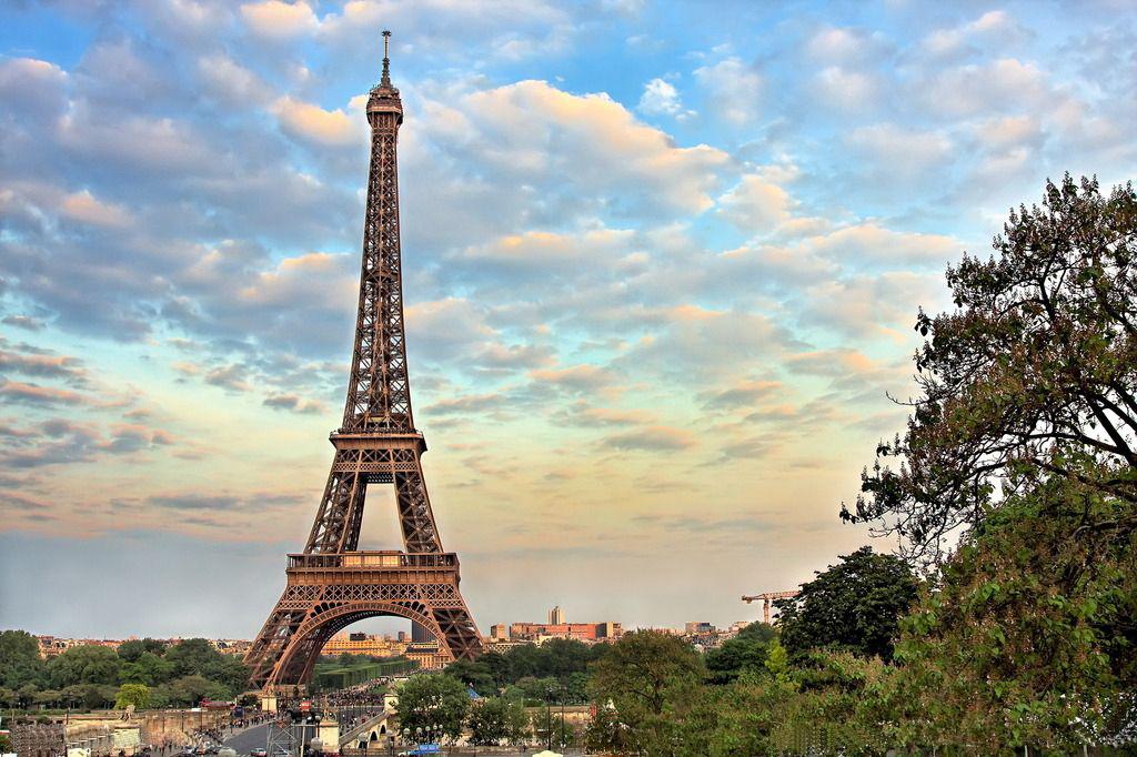 巴黎铁塔高清图片